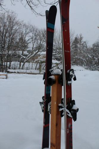 totti-button-ski-resort-rack